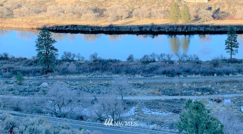 91 Omak Eastside Riverside Road, Omak WA 98841