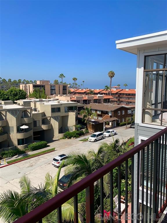 2130 Vallecitos 441, La Jolla CA 92037