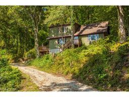 10 Vagabond Trail Fairview